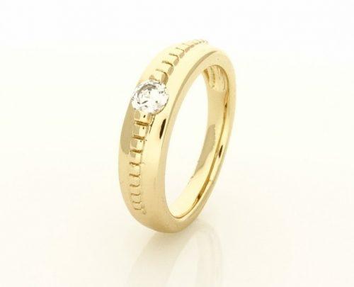 Gold Overly köves gyűrű