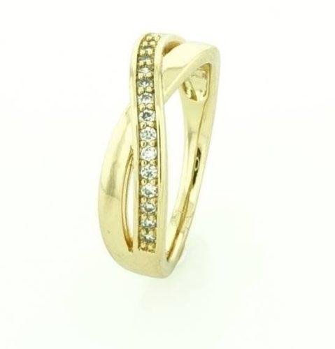 18 k arany színű gyűrű 66-67 es méret